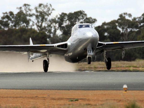DH-115 Vampire T35